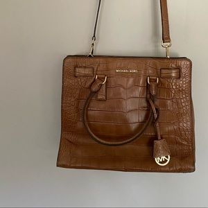 DILLON LARGE CROC EMBOSSED NORTH SOUTH TOTE